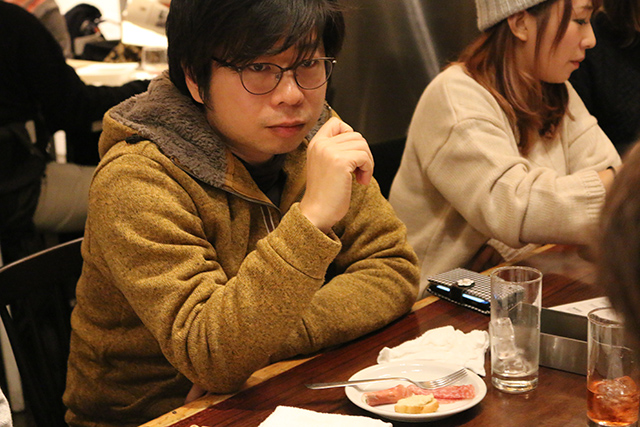 リクトへ研修に来た尾崎さんに向けて話しかけるリクト伊野さん